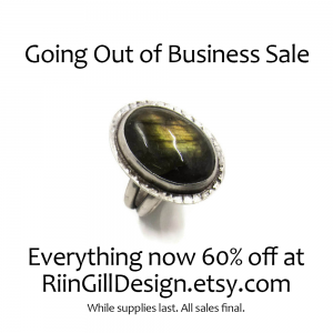 sterling silver and labradorite ring - 60% off everything at RiinGillDesign.etsy.com